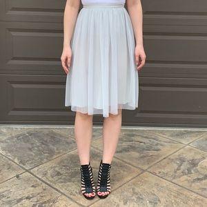 Zara tulle knee length grey skirt sz. XS